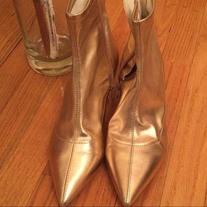 Freepeople Gold metallic booties Sz 39